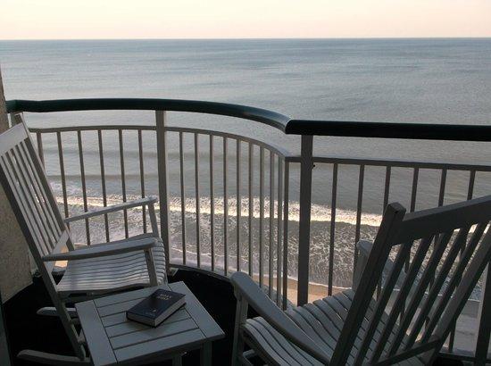 Hampton Inn & Suites Myrtle Beach/Oceanfront:                   balcony rockers