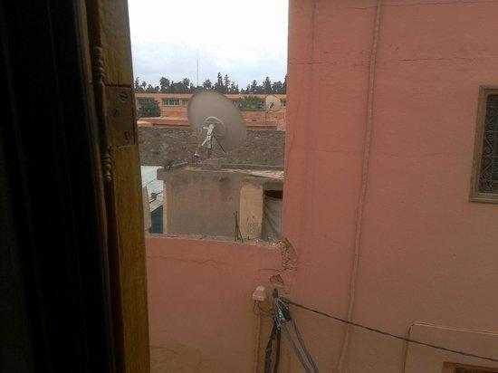 Les Jardins de la Medina:                   En face