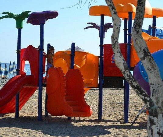 Vascellero Club Resort: giochi in spiaggia