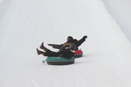 Carriage Ridge Resort: Me and my friend tubing