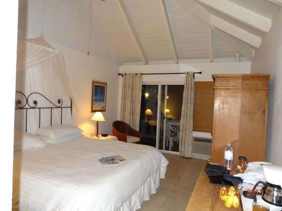 Sibonne Beach Hotel:                                     Room 203