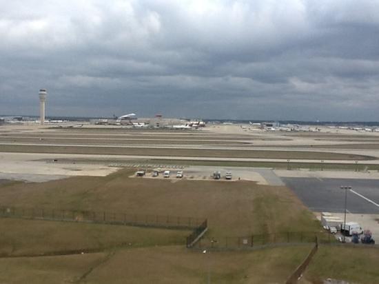 Renaissance Concourse Atlanta Airport Hotel:                   runway view