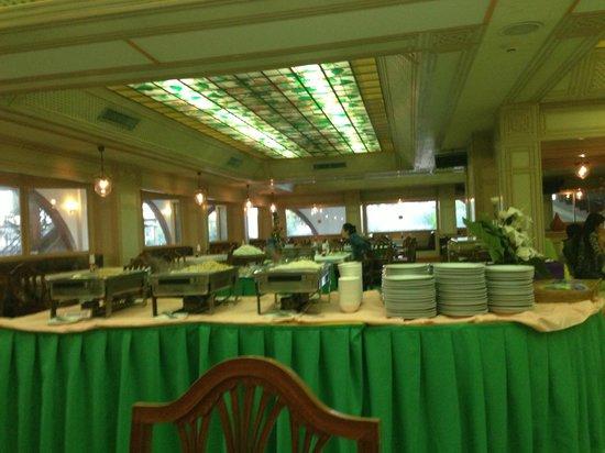 Wang Tai Hotel:                   toxic green