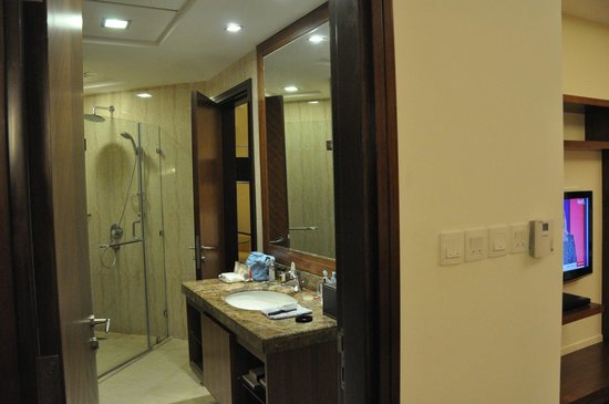 Fraser Suites Dubai:                   salle de bains