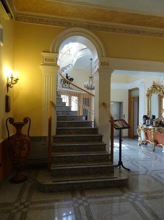 호텔 암레토