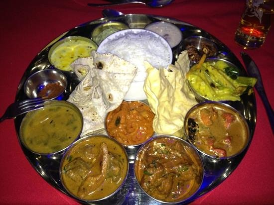 Coconut Lagoon:                   the amazing thali!