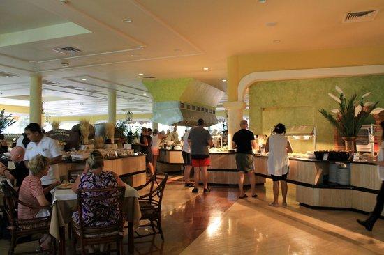 Grand Palladium Riviera Resort & Spa :                   Buffet