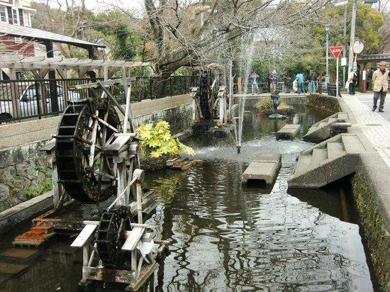 Mishima, Japan:                   宮さんの川