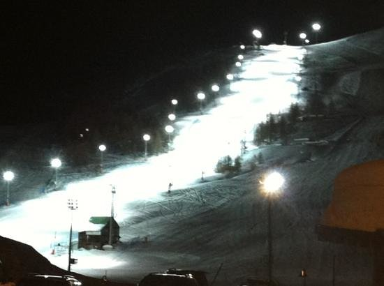 Hotel Cristallo :                   floodlit ski run