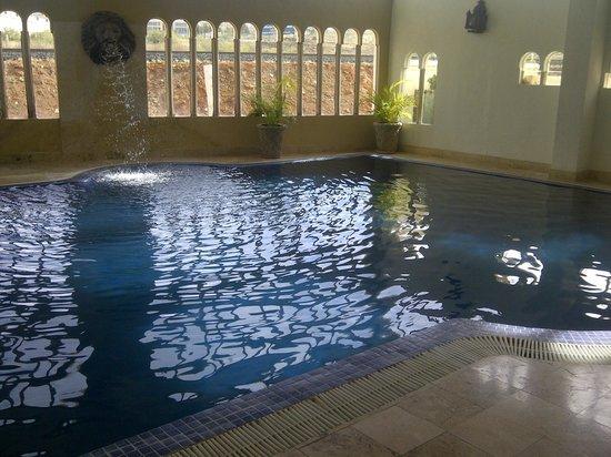 Hotel & Spa Hacienda Baruk:                   Alberca techada y templada...