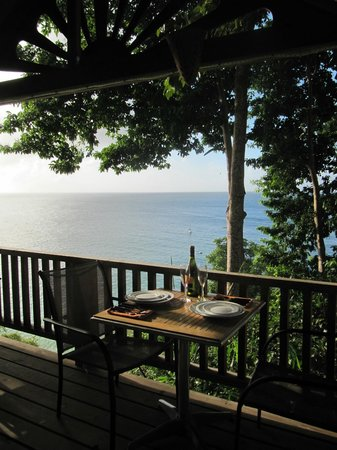 Caribbean Kitchen at Castara Retreats: Stunning views from your table