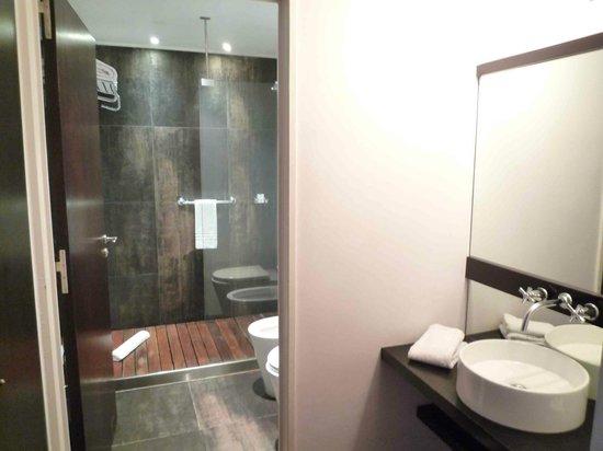 Moreno Hotel Buenos Aires: Badezimmer