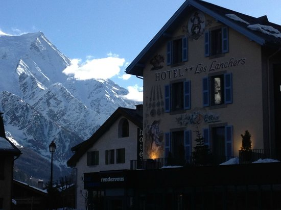 Hotel Les Lanchers:                   Hotel with view of moutains