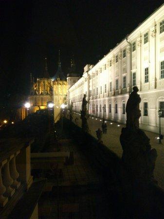 Vila U Varhanare: Night view