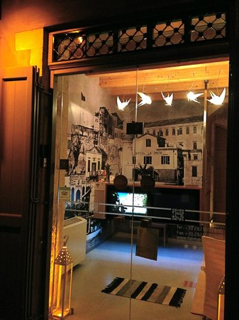 Fatma Hanoum Boutique Hotel: The main door