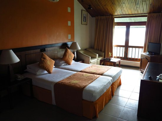 Giritale Hotel:                   Room