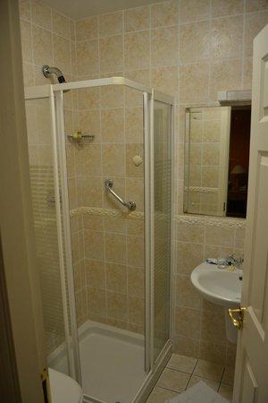 Inch Beach Guesthouse:                   salle de bain