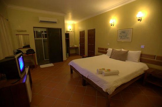 Anjungan Beach Resort : spacious room
