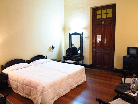 Ceybank Rest:                   Room