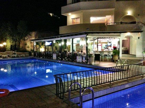 写真Pefkos Beach Hotel枚