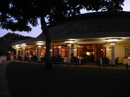 Ilala Lodge :                   Dining under the moonlight