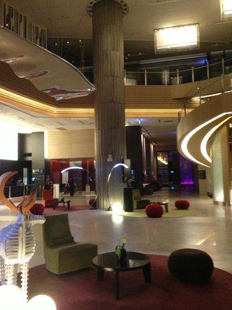 Hotel Novotel Taipei Taoyuan International Airport:                   great lobby :)