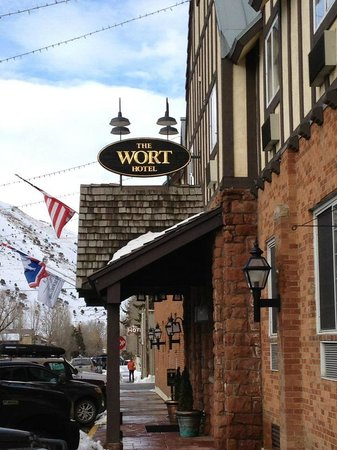 The Wort Hotel:                   Outside of hotel