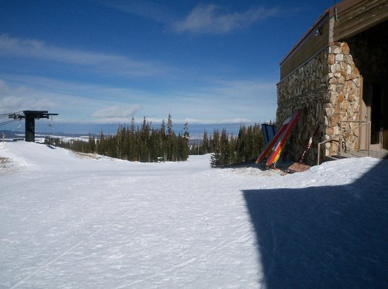 Sunrise Park Resort:                   Apache Peak Lodge