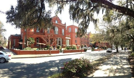 Mansion on Forsyth Park, Autograph Collection: Panoramic of outside