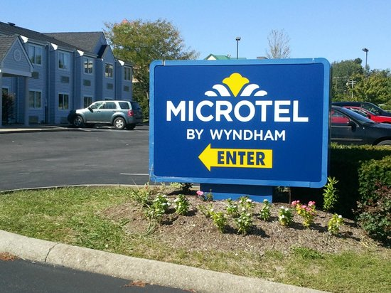 Microtel Inn & Suites By Wyndham Lexington: WYNDHAM ENTRANCE