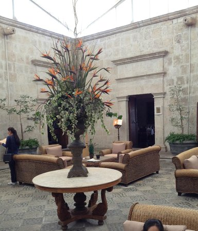 Casa Andina Private Collection Arequipa:                   Lobby courtyard