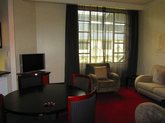 هيريتيدج أوكلاند:                   Living room                 