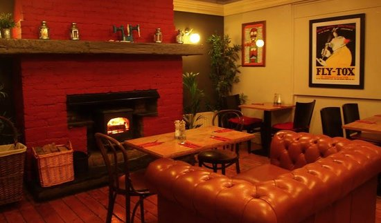 The Johnstown Inn : Cosy up by the fire