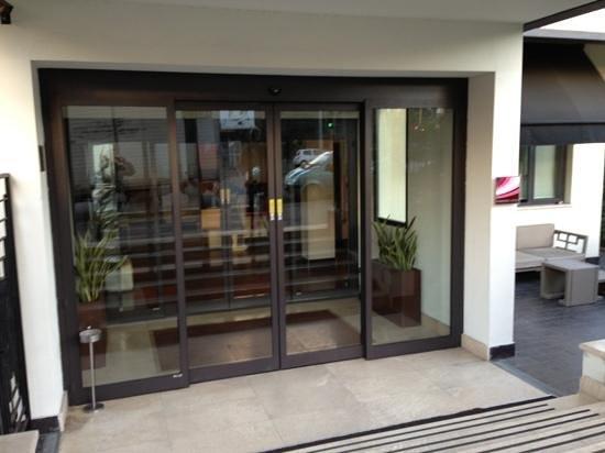 Hotel Pulitzer Roma: entrata dell'hotel