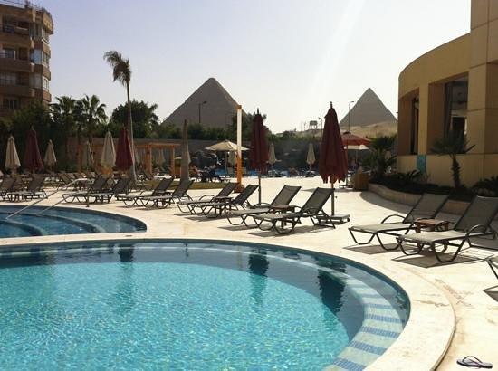 Le Meridien Pyramids Hotel & Spa:                   piscina e vista