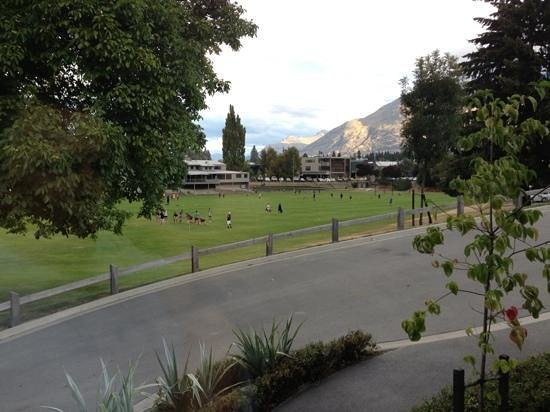Queenstown Park Boutique Hotel:                                     View from lounge area at evening canape and drinks time