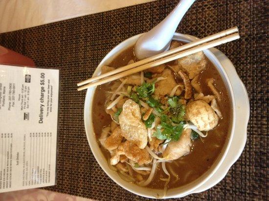 Drunken noodles picture of saeng thai house portland for Authentic thai cuisine portland