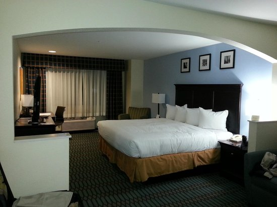 Country Inn & Suites By Carlson, Lubbock:                   Nice big room!