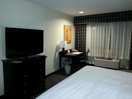 Country Inn & Suites By Carlson, Lubbock:                   new TVs and furniture