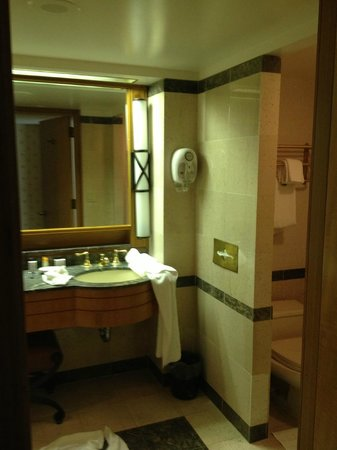 Bally's Atlantic City:                   huge bathroom