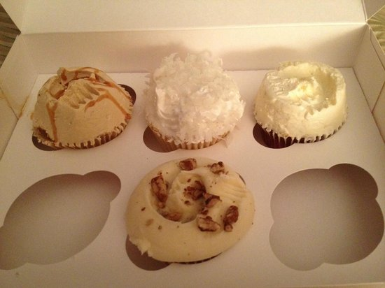 Magnolia Bakery: Assorted Cupcakes