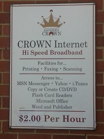 The Emperor's Crown Hostel: Sign out front.