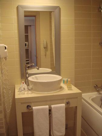 Orange County Resort Hotel Kemer:                   Ванная комната