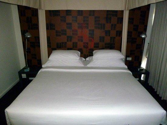 Tenface Bangkok:                                     Kingsize bed