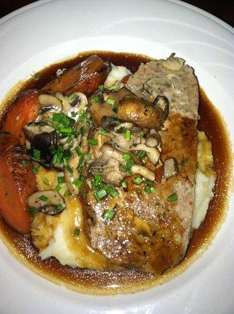 Hudson's Bar & Grill:                   Hudson's meatloaf