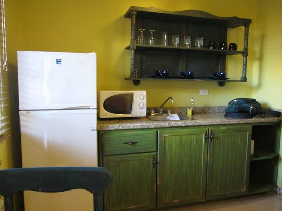 Siesta Suites: Kitchenette