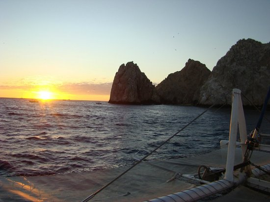Cabo Villas Beach Resort : Land's End Sunset