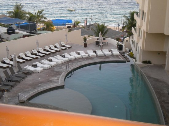 Cabo Villas Beach Resort: Pool view from room