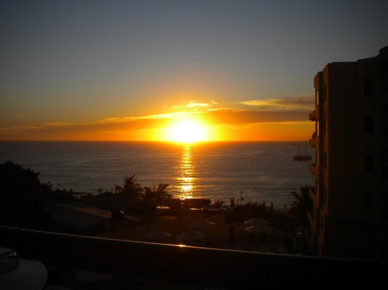 Cabo Villas Beach Resort: Sunset view from room