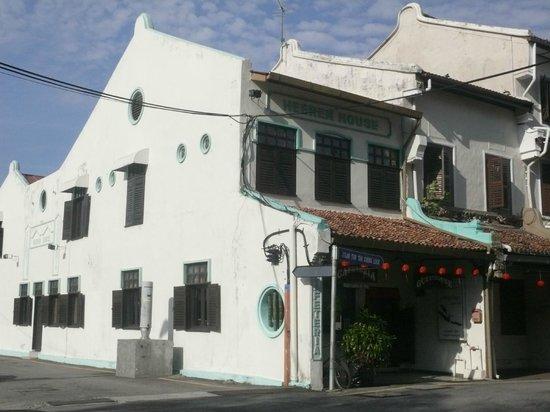 Heeren House front